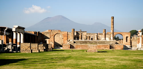 Pompeii ruins and vesuvius